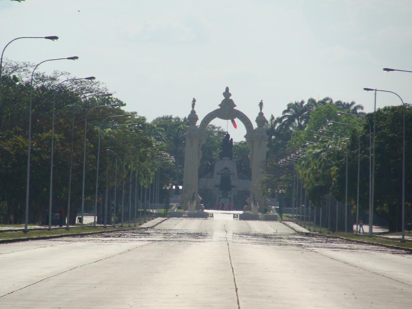 avenida y arco de la batalla decarabobo